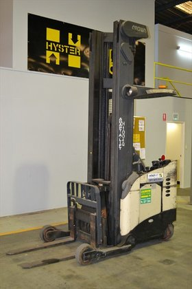 2001 CROWN RD5220-30TT300 Stand Up