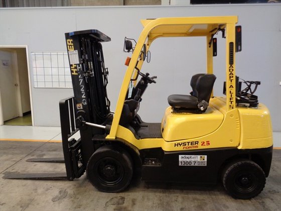HYSTER H2.5TX Counterbalance Forklift 1,801