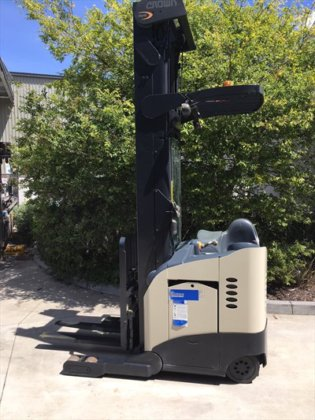 2003 CROWN RR5220-45TT321 Stand Up