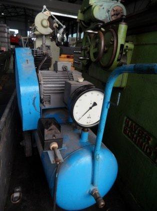 HARZER Kompressorenwerk AHS1-40/70V in Staufenberg,