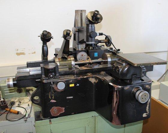 CARL ZEISS JENA Universal Messmikroskop