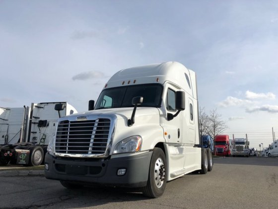Freightliner CASCADIA EVOLUTION Conventional truck