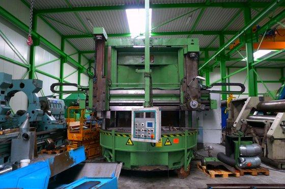 2002 Titan CNC vertical borer