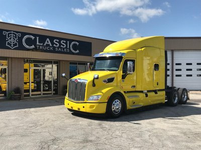 2016 PETERBILT 579 Tandem Axle Sleeper in Dallas, TX, USA