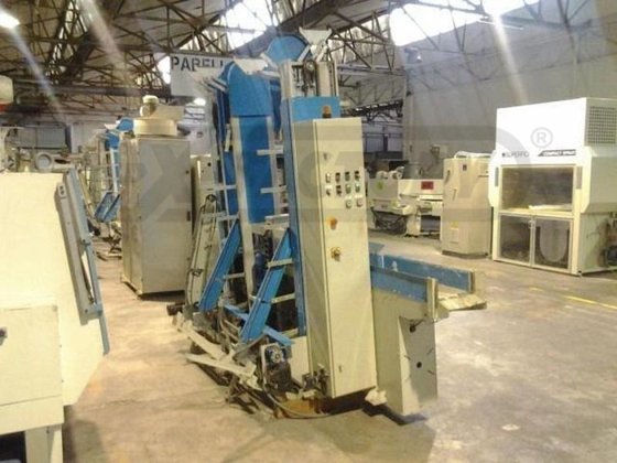 2008 IPS APM-3 MOULDING STACKER