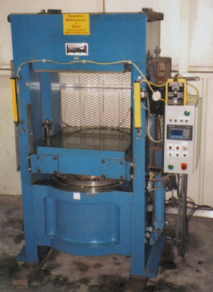 1990 EEMCO 804-TON PRESS (HYDRAULIC)