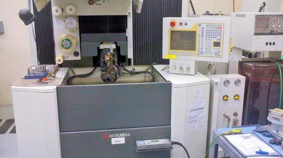 1999 MITSUBISHI QA10 EDM-CNC (WIRE)