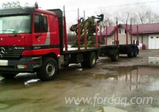 2000 Mercedes Longlog Truck in