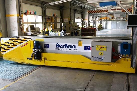 BestReach BR380 Telescopic Boom Conveyors