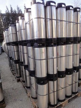 diverse Stainless steel tanks and