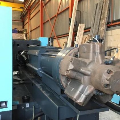 2001 DEMAG 2300 screw and