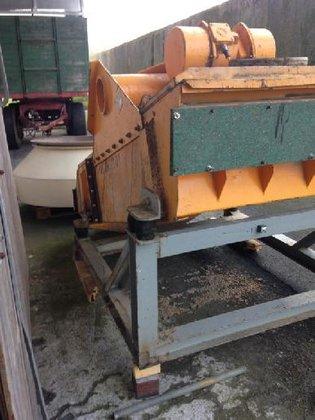 Cyrus single-deck screening machine in
