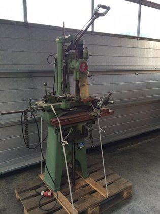 Fetzer chain stemming machine in