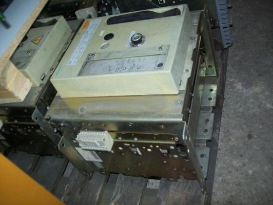 Siemens 1600 Amp. Emergency current