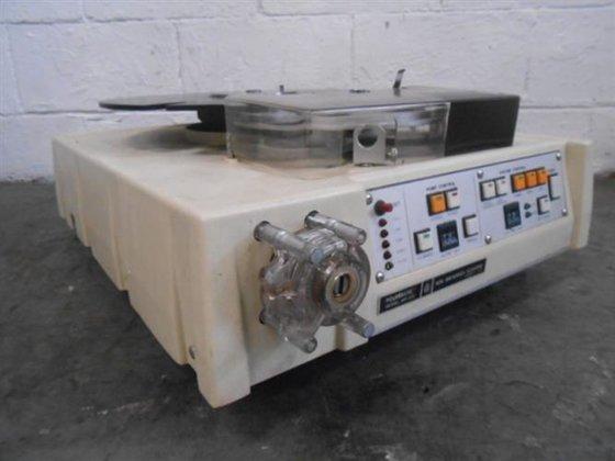 NEW BRUNSWICK MODEL MP-320 POURMATIC