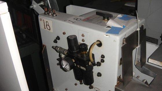 3M model S-857 L-Clip applicator