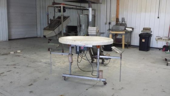 "42"" diameter Accumulating Table -"