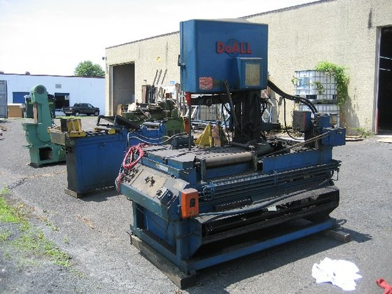 DOALL TF-18A VERTICAL BAND SAW