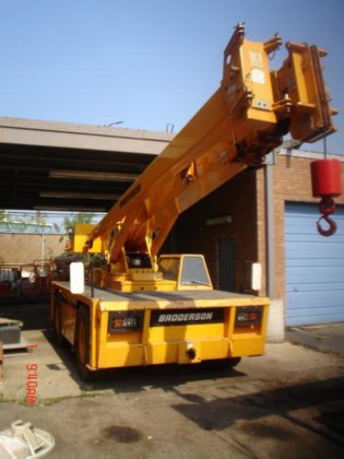 2011 BRODERSON IC250 3C Industrial