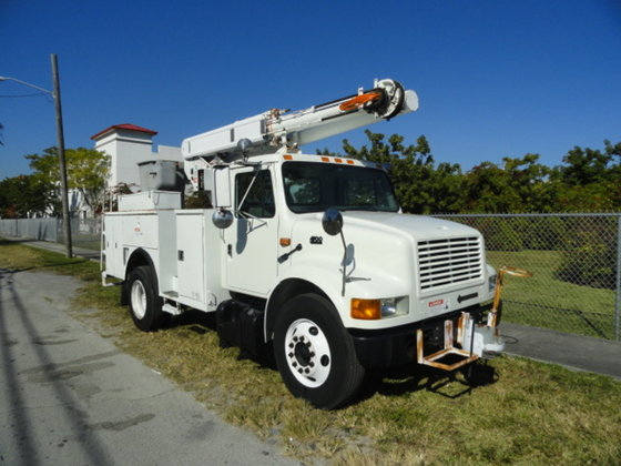 2002 International 4700 in Miami,