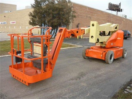 2005 JLG E400AJPN in Bridgeview,