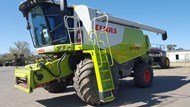 2010 Claas Lexion 740 with