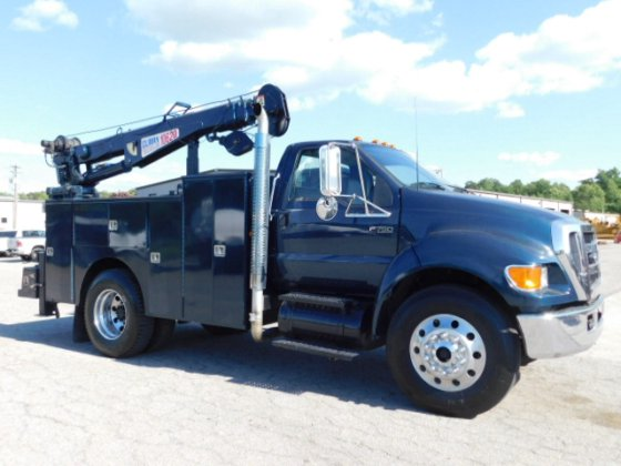 2006 Ford F750XLT 10,000 POUND CRANE -CAT MAINTAINED SERVICE TRUCK / GVW IS  UNDER CDL - T-3066 in Sutherlin, VA, USA