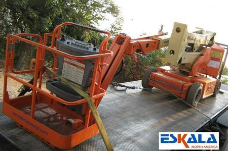 Used 2003 JLG Articulating Boom