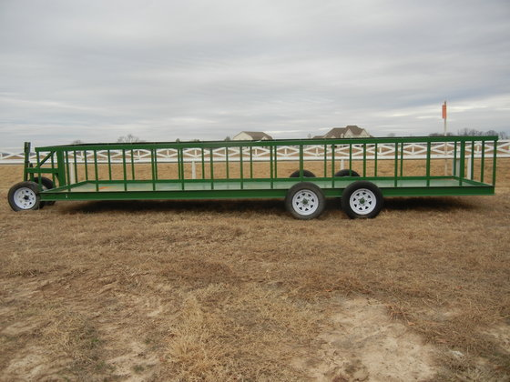 New Winco 25 ft  Hay Feeder Wagon in Paris, TX, USA