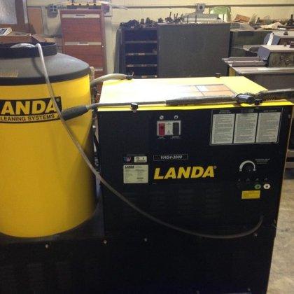 Landa Pressure Washer #2750 in