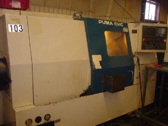 PUMA CNC LATHE in Warren,