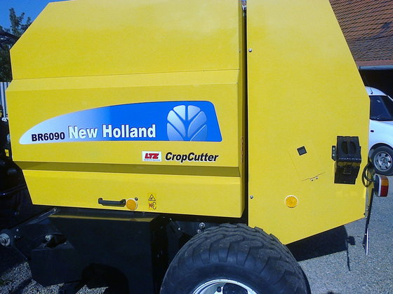 2016 New Holland BR 6090