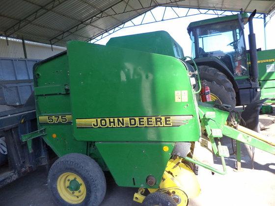 2002 John Deere 575 in