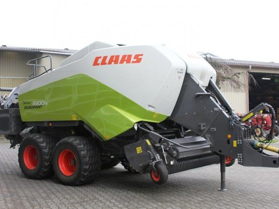 2014 CLAAS Quadrant 3300 RC
