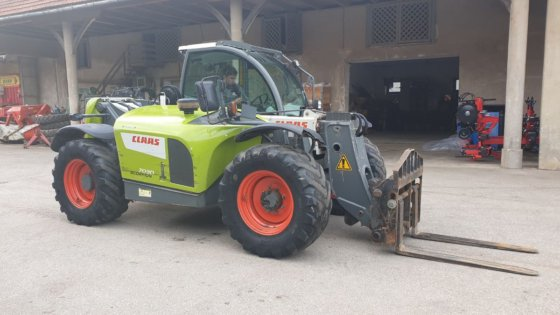2012 Claas Scorpion 7030 in