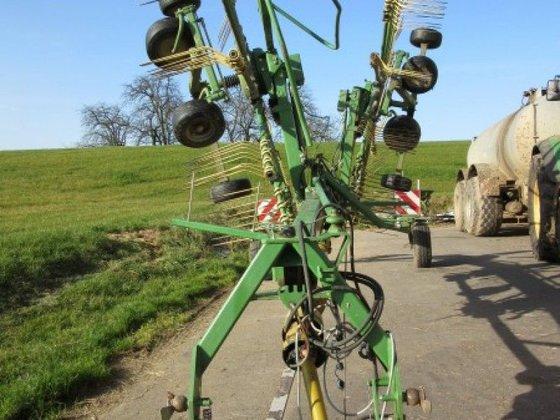 2006 Krone Swadro 810 in