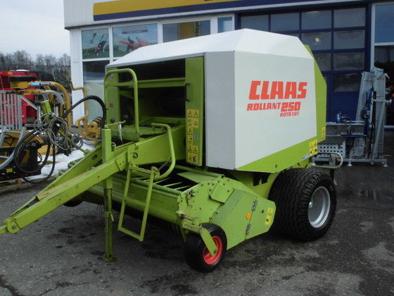 1998 Claas Rollant 250 -