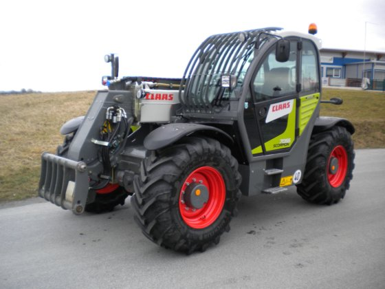 2015 Claas Scorpion 7055 in