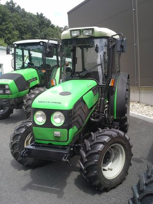 2001 Deutz Agrocompact 70F in