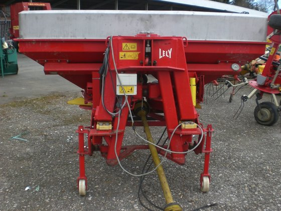 Lely 1200 WIEGESTREUER in Europe