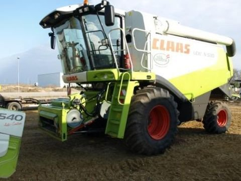 2009 Claas Lexion 530 in