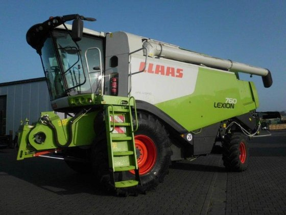 2011 CLAAS Lexion 760 in