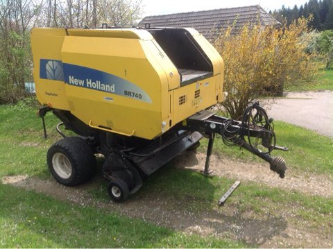 2006 New Holland BR 740