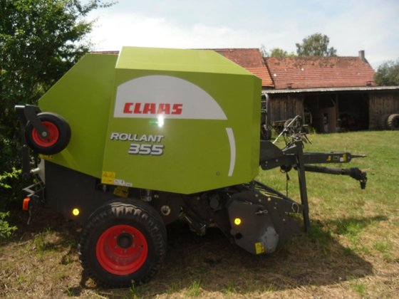 2009 Claas Rollant 355 RC