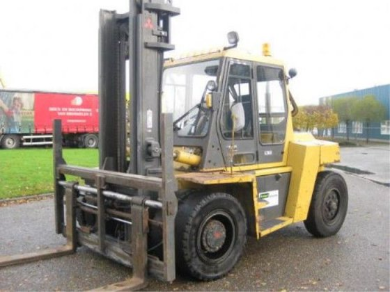 2001 Caterpillar DP80 Forklift in