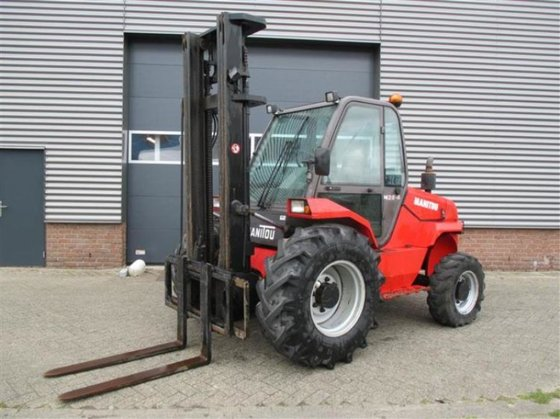 2005 Manitou M26-4 Forklift in