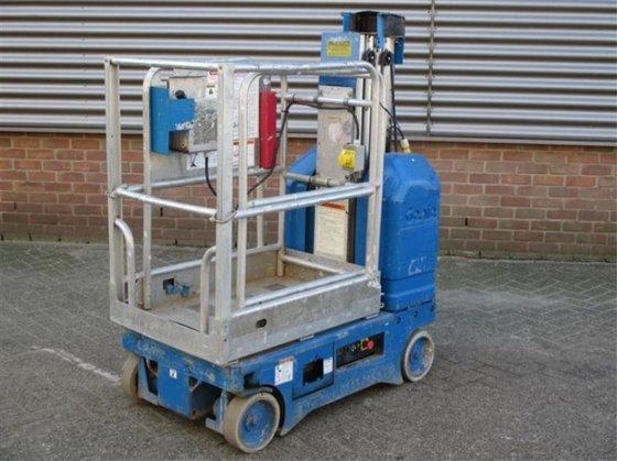 2004 Genie GR15 Working platform