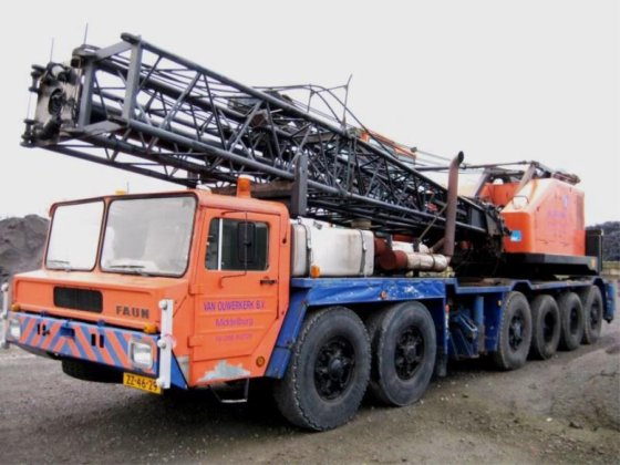 1980 Priestman Lion 350 Lift