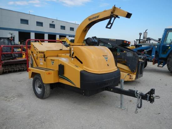 2012 Vermeer BC1500 Chipper-Hand Fed