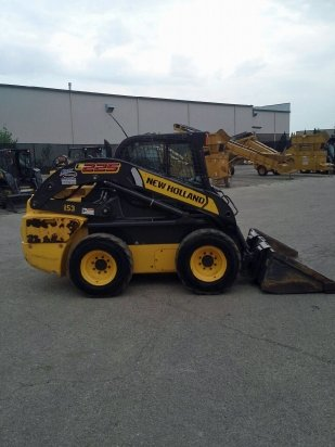 2013 New Holland L225 Skid